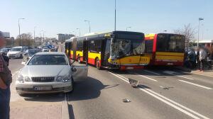 Zderzenie z autobusem na Górczewskiej. Trzech pasażerów trafiło do szpitala