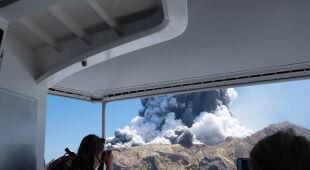 Erupcja wyspy-wulkanu White
