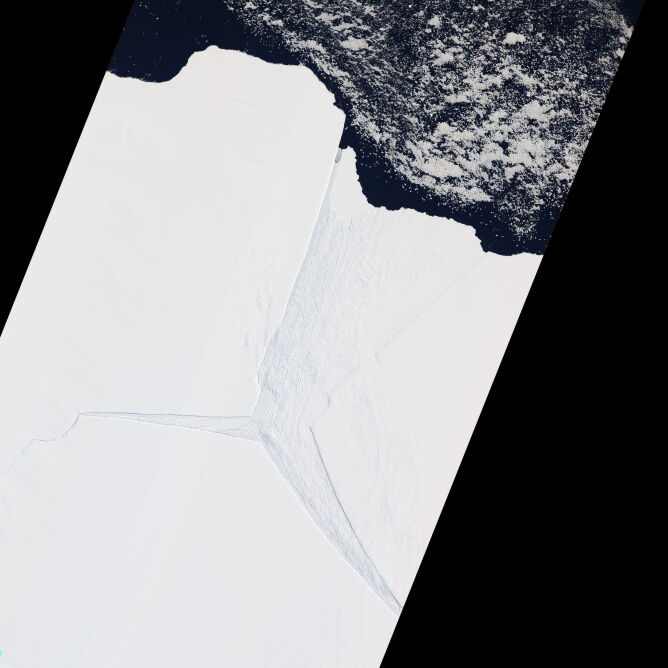 Lodowiec Amery na zdjęciu satelitarnym z 2012 roku (earthobservatory.nasa.gov)